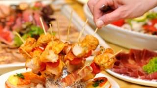 Jak zjeść dużą kolację na diecie i nie przytyć?
