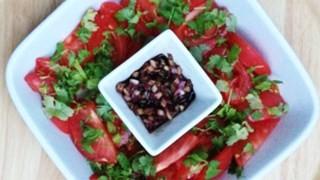 Pomidory z sosem kolendrowym