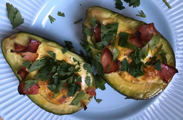 awokado-z-jajkiem-dieta-metabolizm